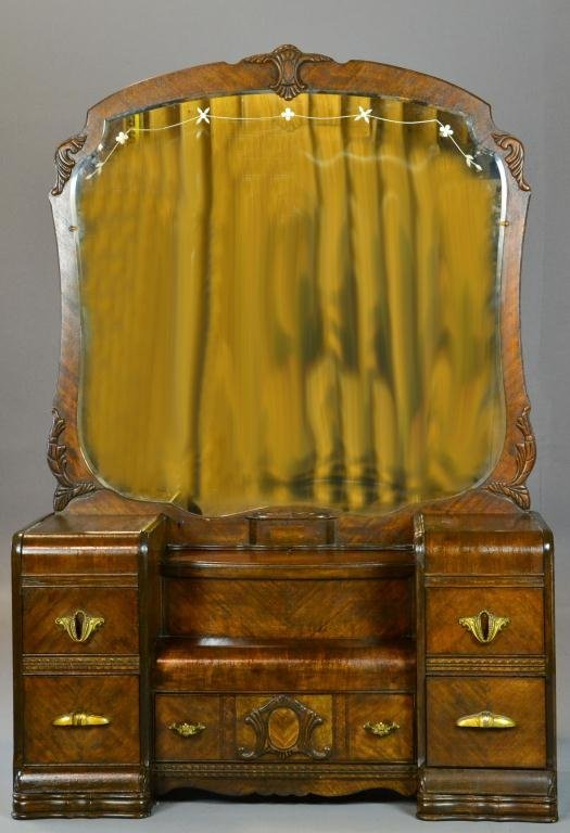 472: Art Deco Dressing Table with Large Mirror