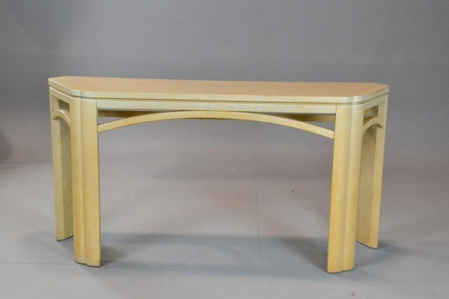 481: A CONTEMPORARY BLONDE SOFA TABLE