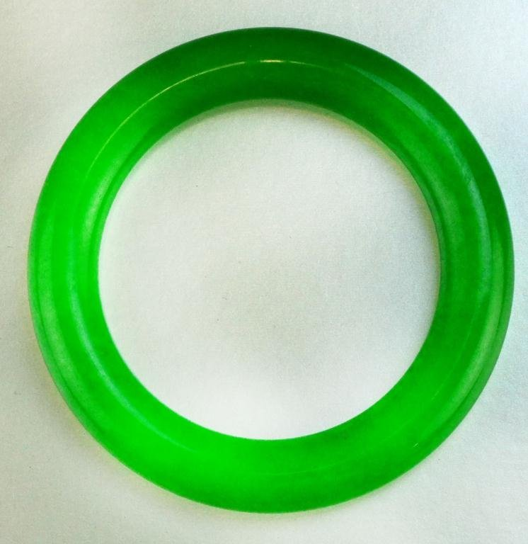 591: Chinese Imperial Green Jade Bangle