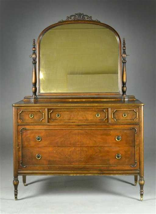 - 49: Mahogany Dresser By Sligh Furniture Company