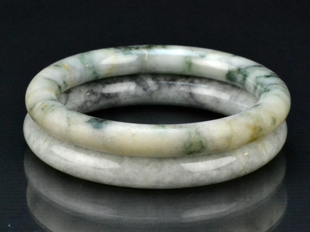 16: (2) Chinese Qing Jadeite Bangle Bracelets
