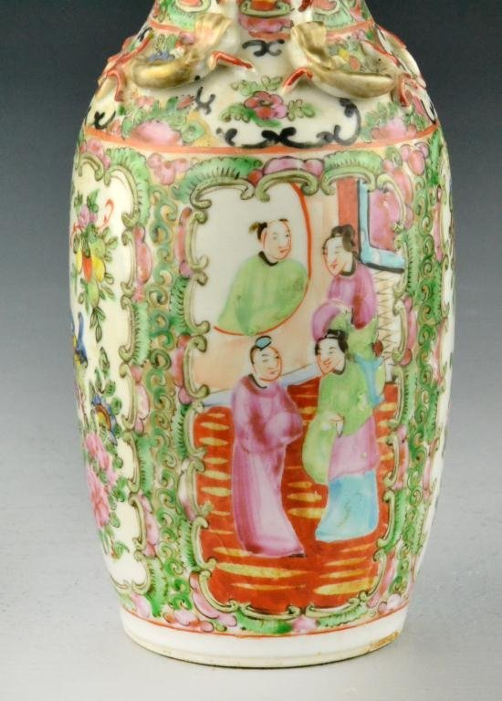518: Chinese Rose Medallion Porcelain Export Vase - 3