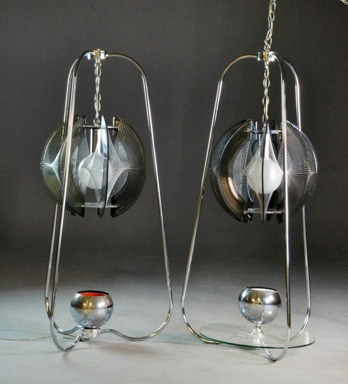 10: (2) Mid-Century Modern Lucite & Chrome Lamps