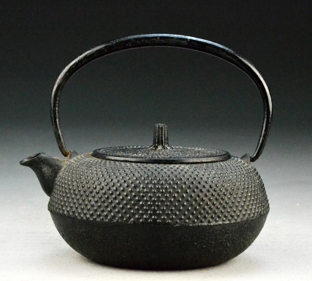 Japanese Antique Iron Tea Pot