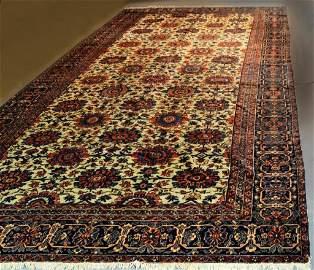 A Fine Antique Malayer Bibikabad Carpet
