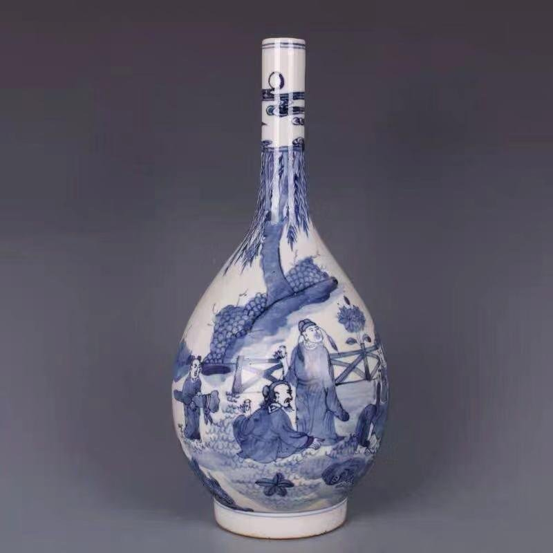 A QIANLONG MARK BLUE WHITE VASE WITH CHARACTER PAINTING