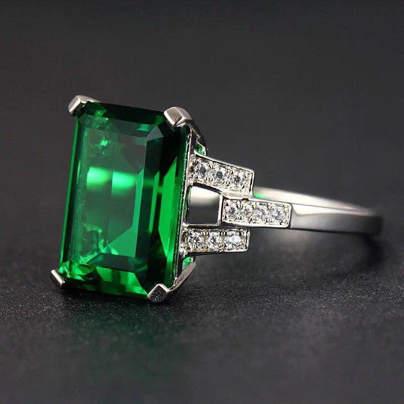 925 Silver 7.01ct Emerald 0.211ct Diamond Ring