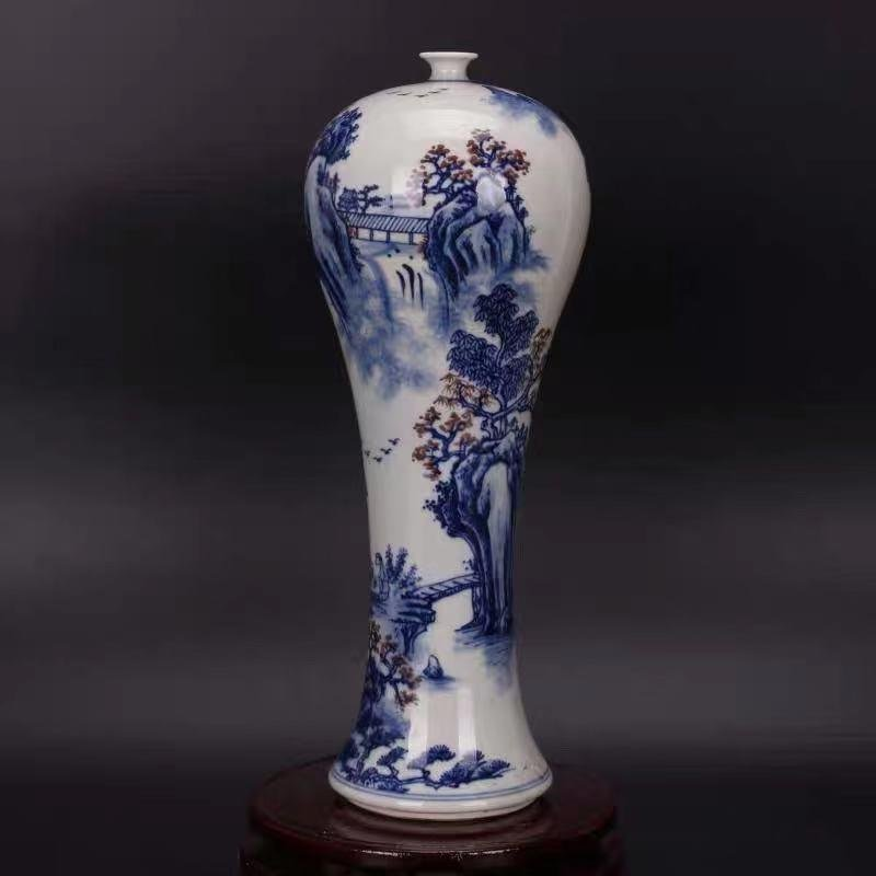 A QIANLONG MARK BLUE WHITE VASE WITH LANDSCAPE PAINTING