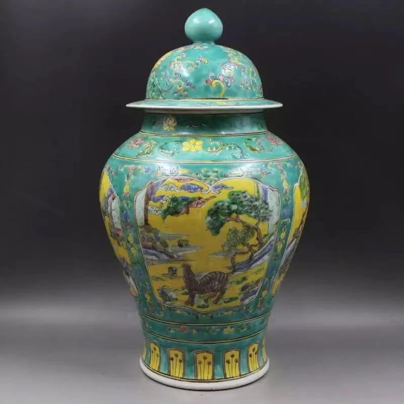 A KANGXI MARK FAMILLE ROSE VASE WITH BIRDS AND FLOWERS
