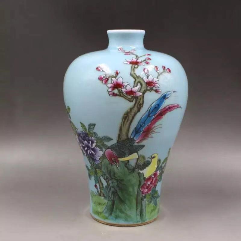 A QIANLONG MARK FAMILLE ROSE VASE WITH BIRDS AND