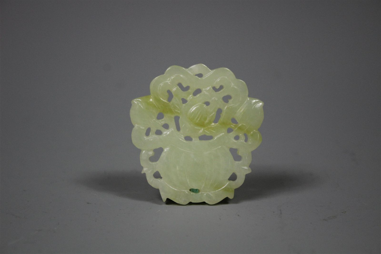 A Carved Hetian Jade Pendant, Qing Dynasty