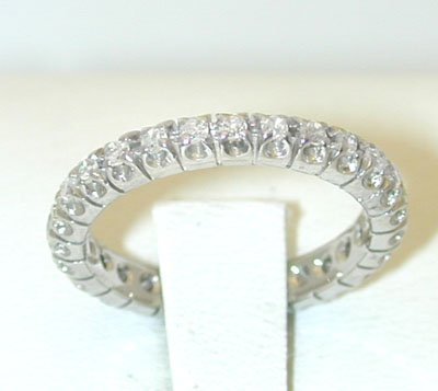 12175: 495 18KW Ring w/ Diamonds