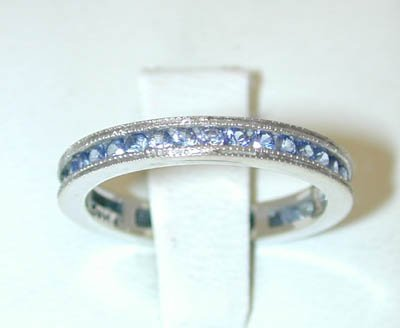 12187: 9052 14KW Gold Ring w/ Sapphire