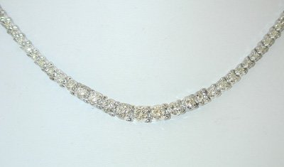 13576: 2334 EFJ 14KW Gold Diamond Necklace