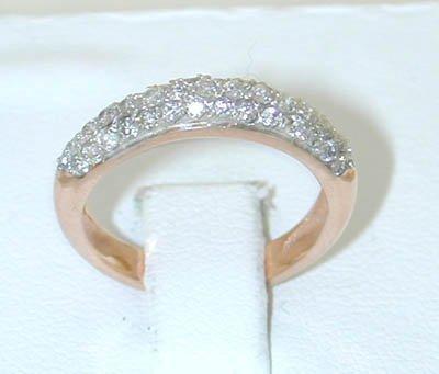 12245A: 5977 14K Gold Ring w/ Diamonds