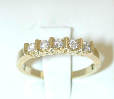 037 10K Gold Ring w/ Diamonds