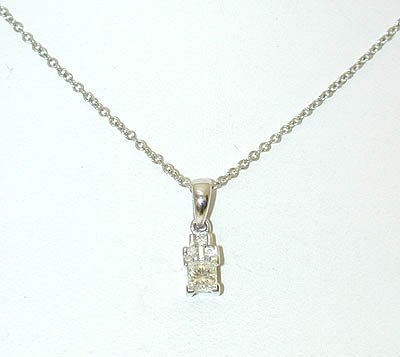 1016 14KW Gold Neckace w/ Diamonds Pendant
