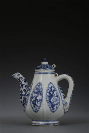 A BLUE & WHITE TEAPOT. XUANDE PERIOD, MING DYNASTY.