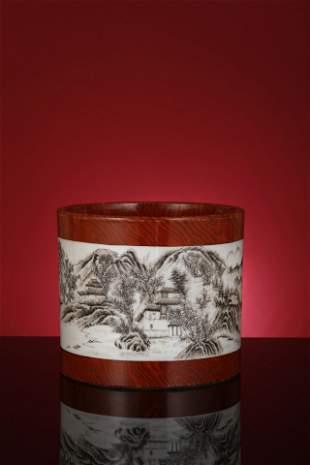 A GRISAILLE-DECORATED PORCELAIN BRUSH POT. QIANLONG