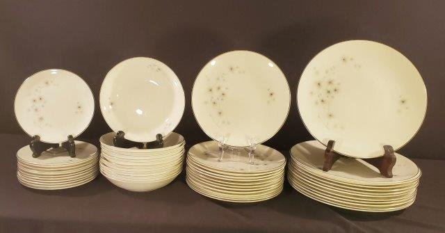 Thistledown by Royal Doulton Setting for 12