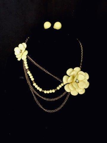 Vintage Yellow Jewelry Suite