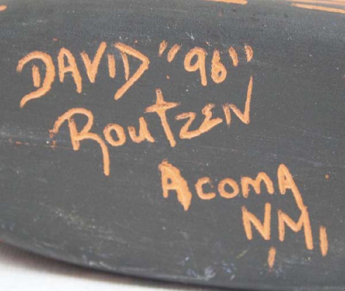 Native American Acoma Scraffito Vase by D Routzen - 4