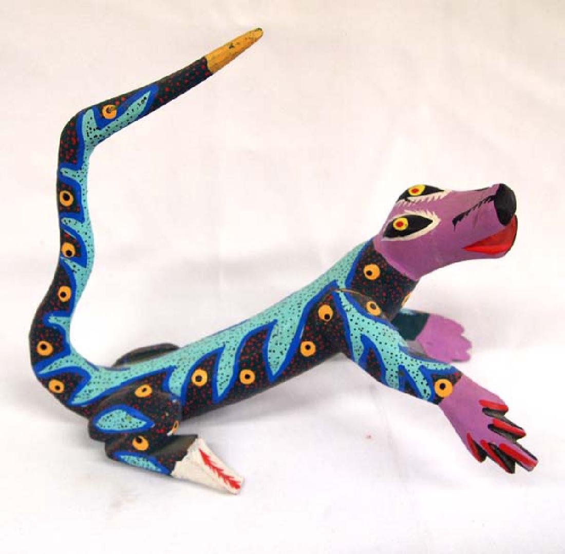 Mexican Oaxacan Carved Alebrije Lizard by Gomez