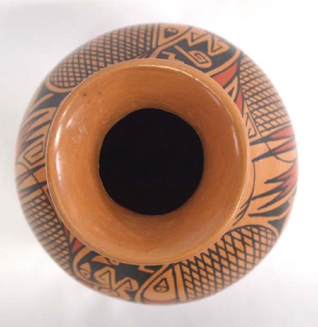 Mexican Mata Ortiz Jar by Daniel Gonzalez - 3