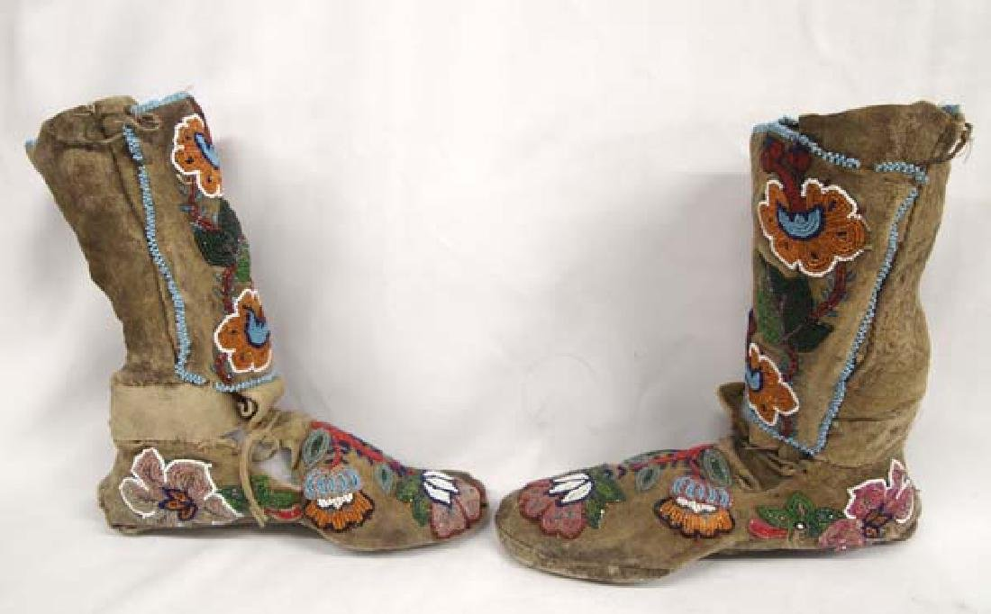 Antique Iroquois Beaded Leather High Top Moccasins - 2