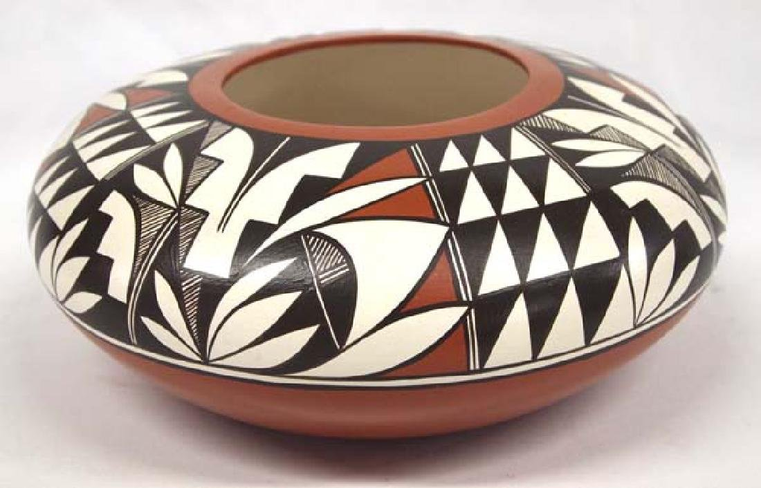 Isleta Pueblo Pottery Bowl by Chiwerue