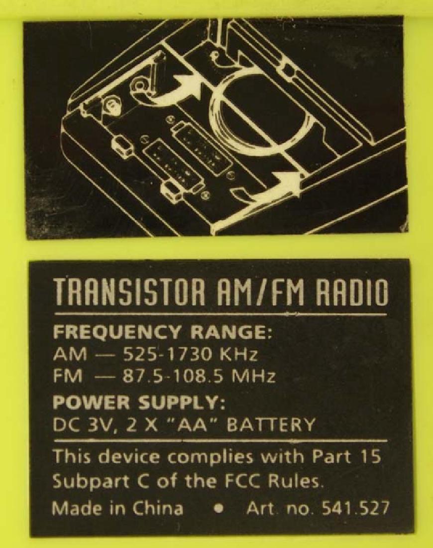 2 Vintage Transistor Radios - 5