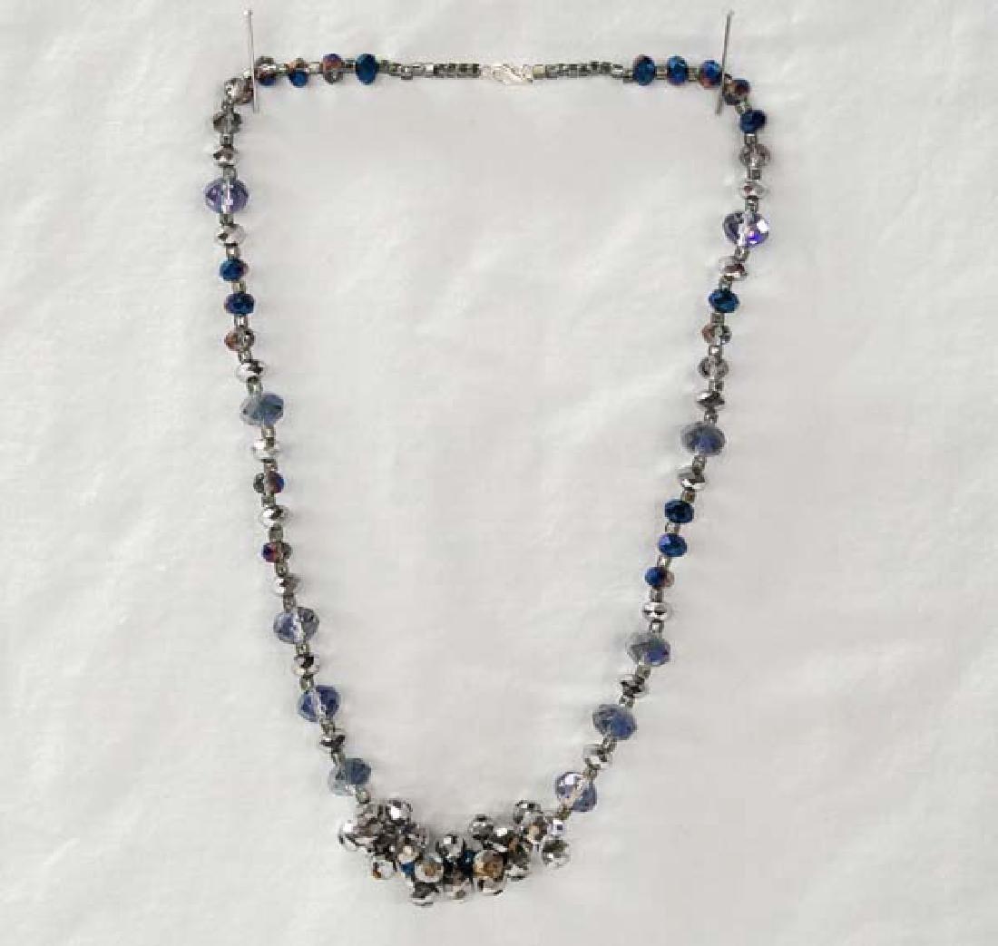 Glass Bead Necklace 16in E-E Sh $10