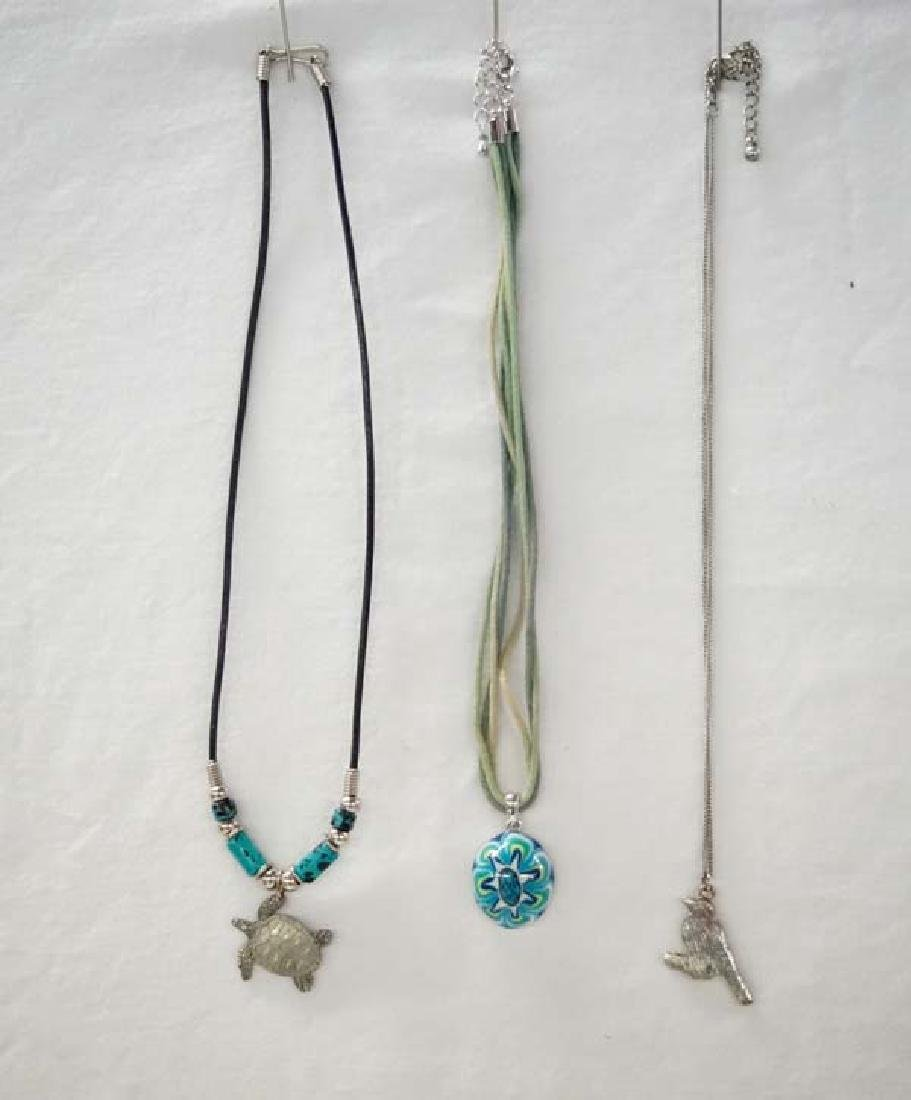 3 Necklaces 18in L SH $10