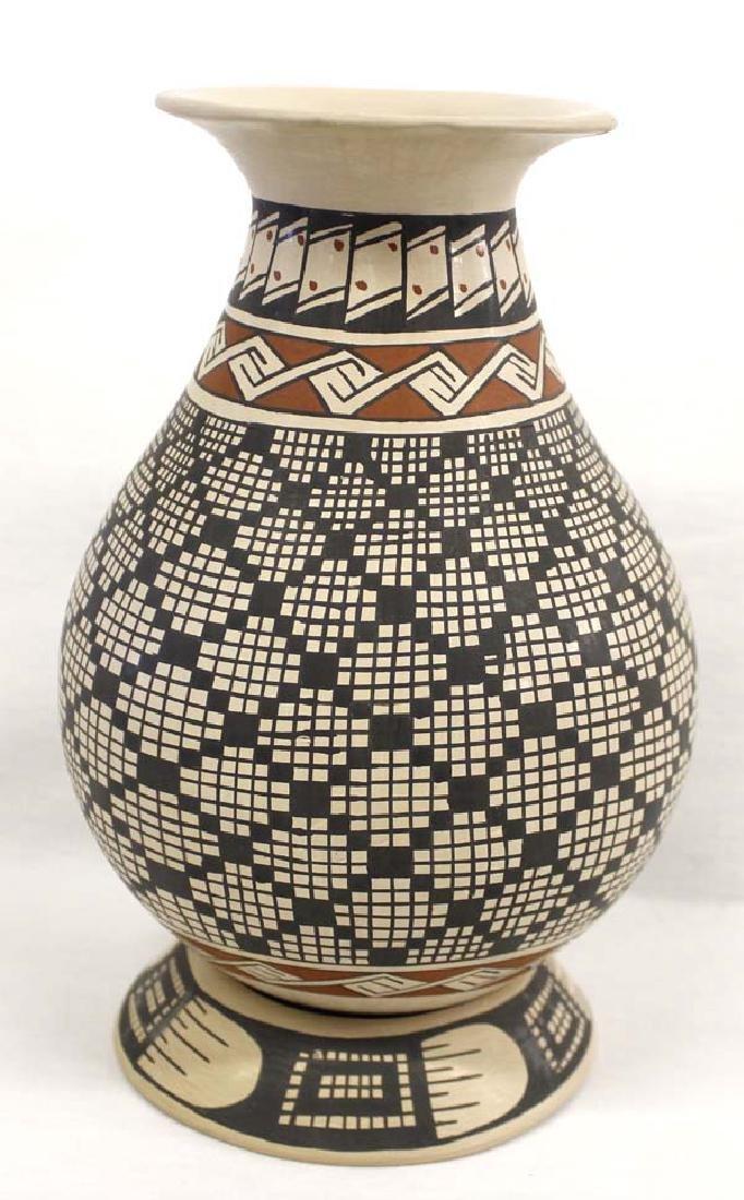 Mexican Mata Ortiz Jar by Paty Ortiz.