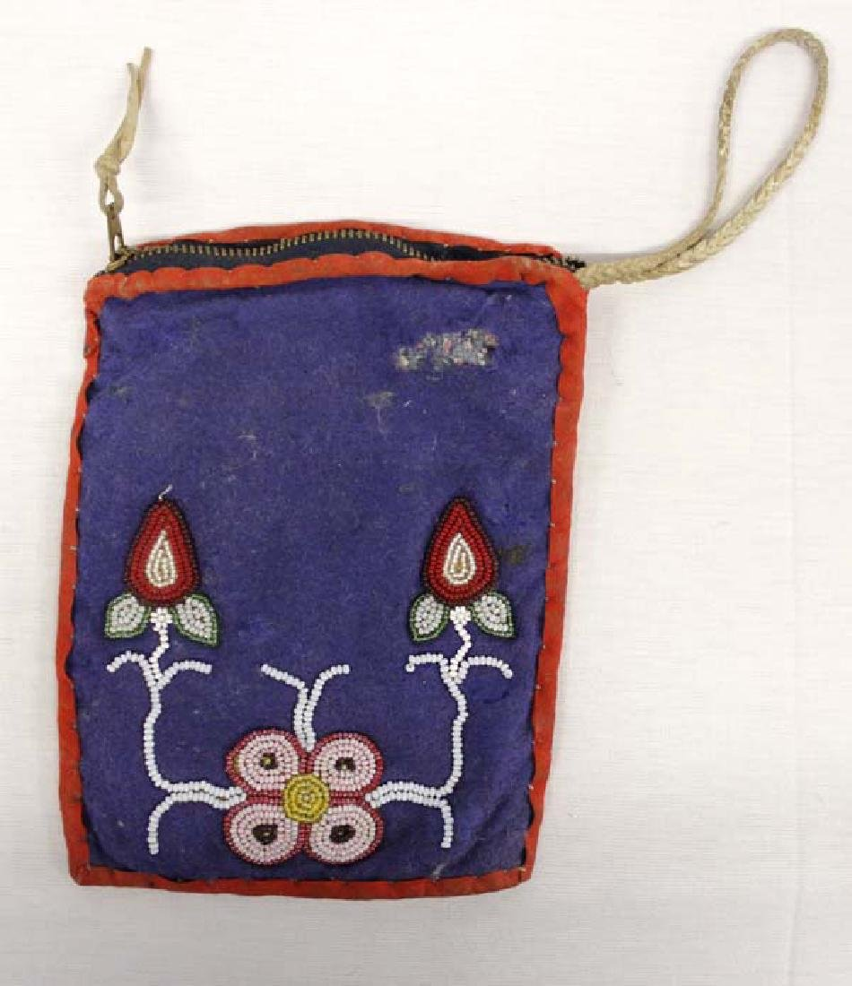 Old Native American Woodlands Beaded Wool Purse