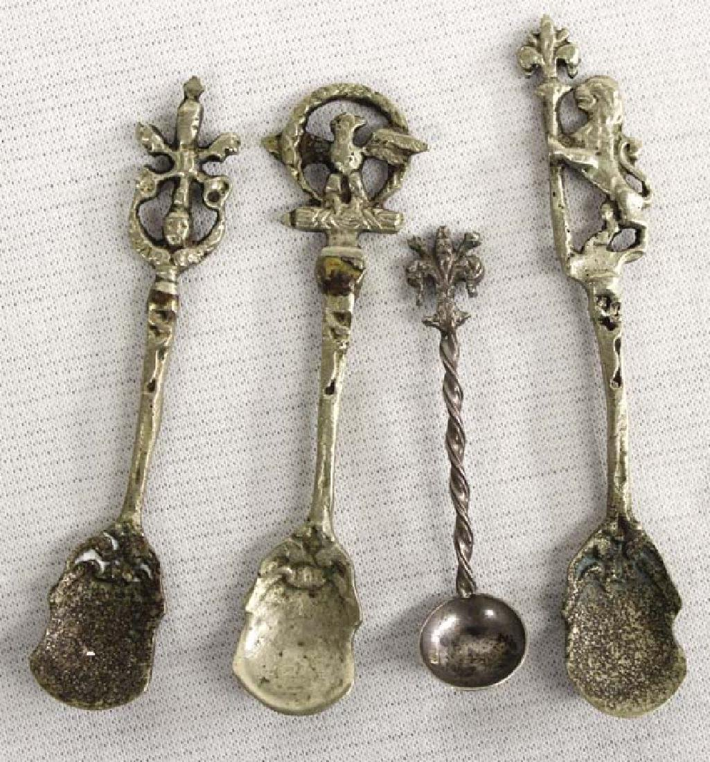 4 Miniature Salt Cellar Spoons