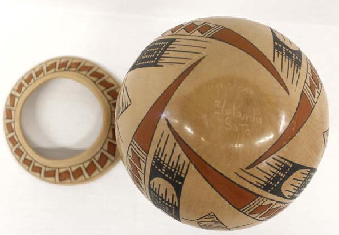 Mexican Mata Ortiz Polychrome Pottery Jar & Stand - 4