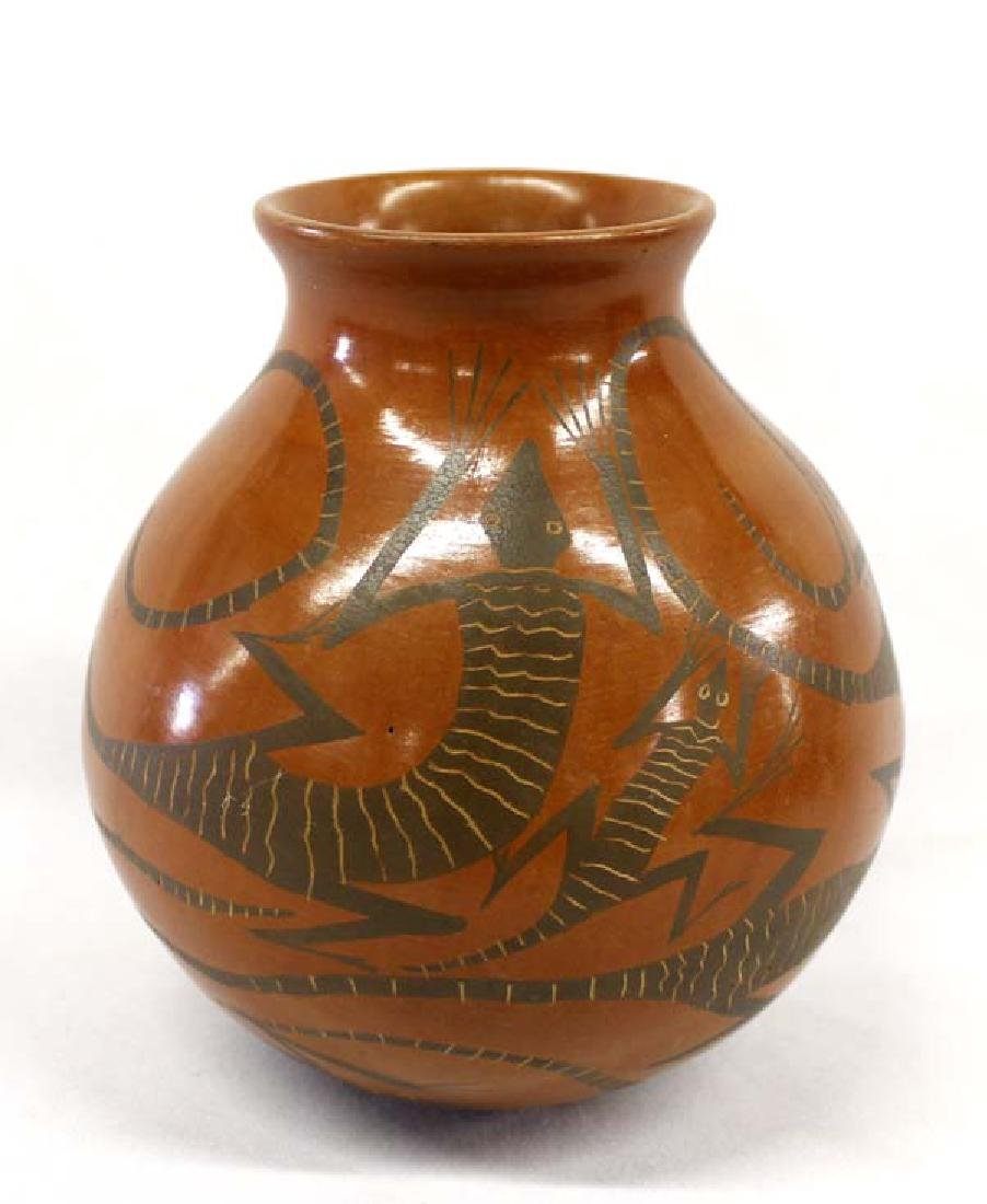 Mexican Mata Ortiz Pottery Lizard Jar by J. Villa