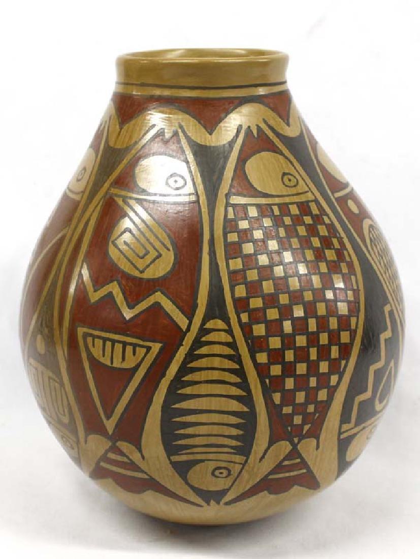 Mexican Mata Ortiz Polychrome Jar by D. Gonzalez