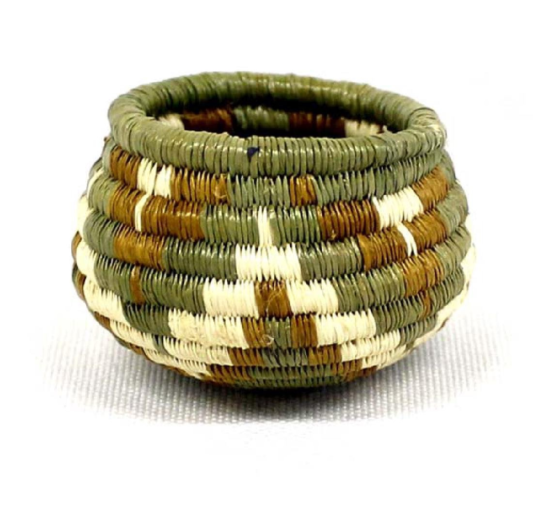 Native American Hopi Miniature 2nd Mesa Basket