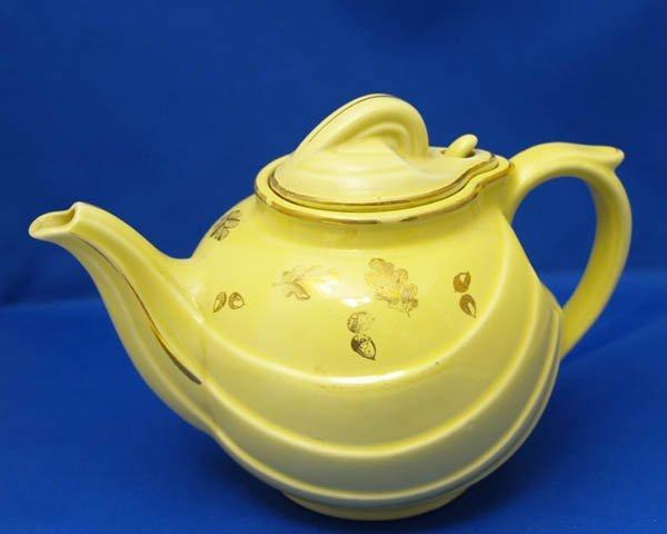 1008: Halls Teapot