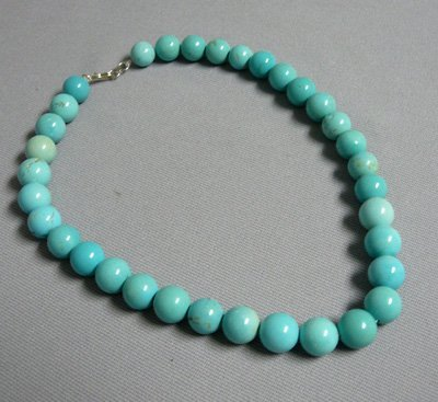 1107: Navajo Reconsituted Turquoise Bead Necklace 15.5