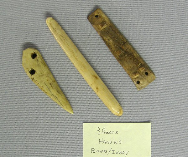 1000: 3 Prehistoric Eskimo Artifacts 5 3/8''