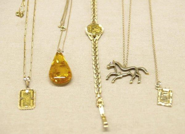 1007: 5 Estate 14K Gold Chains & Pendants & Bracelet