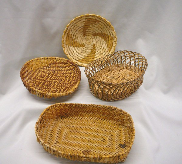 1013: 4 Papago Woven Baskets Largest 2.5''x11''