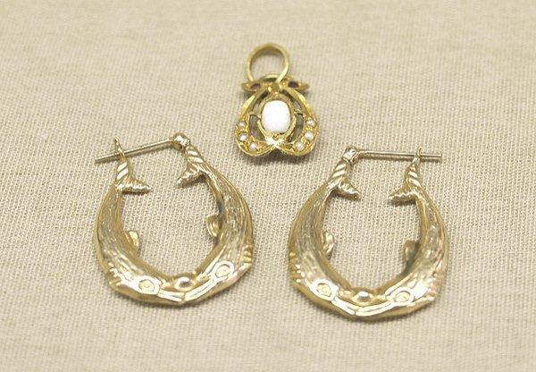 1017: 14K Gold  Hoop 1'' Earrings & 22K Opal Pendant