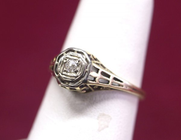1020: 14K Gold Filigree 6.25 Ring w Mine Cut Diamond