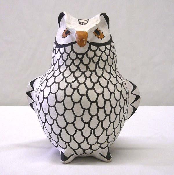 1001: Acoma Pottery Owl by R Torivio 5.5'' Tall
