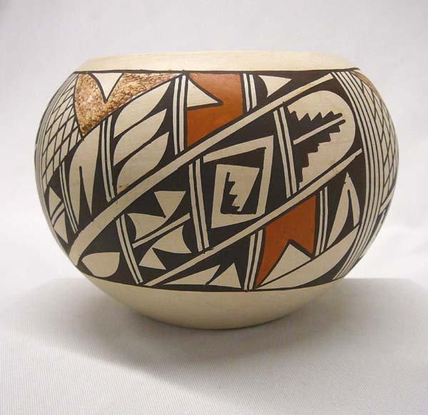 1009: Hopi Pottery Bowl by Winnora David 3.5''x5''