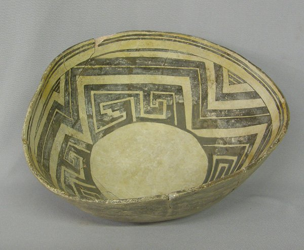 "1077: Prehistoric Mimbres Black on White Bowl 4.5x11"""